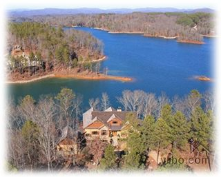 Lakefront Mountain Hideaway with Boat on Lake Keowee